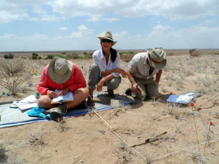 Dr. Sonia Harmand helps the students recording their excavation units