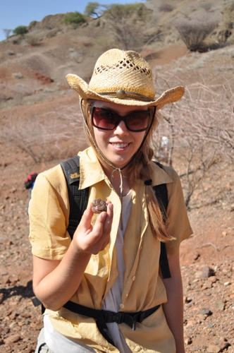 Janina finds a Dinotherion  tooth.