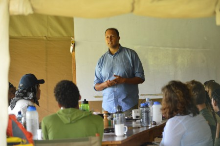 Dr. Dino Martins introducing the students to the Ecology course.